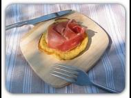Recette blinis de chou-fleur, crème d'oignon et jambon de pays