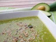 Recette soupe aux fanes de brocolis, fanes de poireaux et avocat