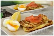 Recette Pancakes aux poireaux, truite fumée et oeufs mollets