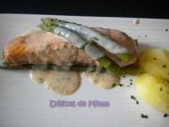 Recette Pavé de saumon aux asperges, sauce citronnée