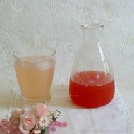 Recette sirop de rhubarbe au citron vert et à la rose
